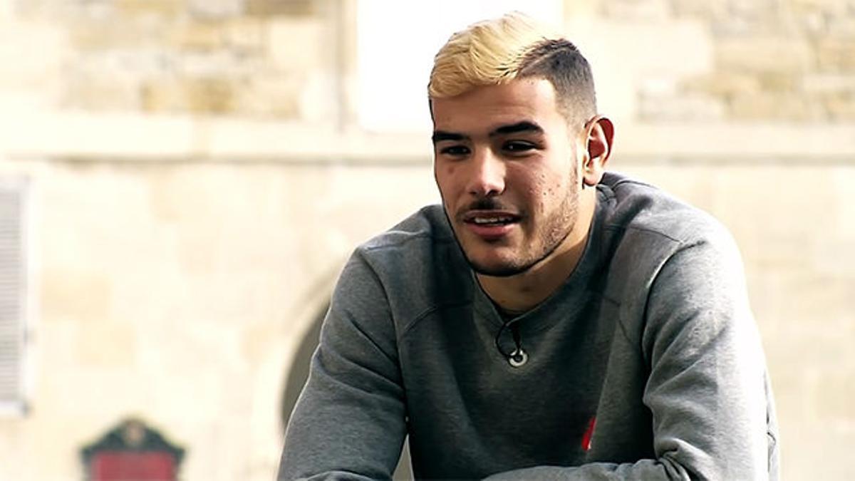Theo Hernández habló del día que debutó en el Camp Nou