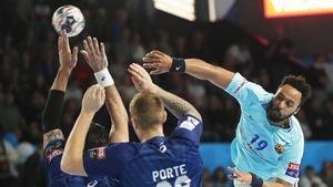 Kamil Syprzak realizó un gran partido con cinco goles sin fallo