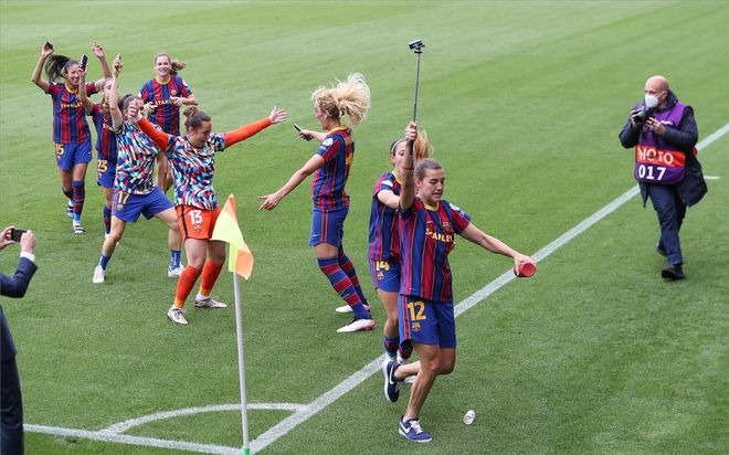 La celebración del FC Barcelona tras meterse en la final de la Champions femenina