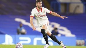 Sergi Gómez, en un partido con el Sevilla