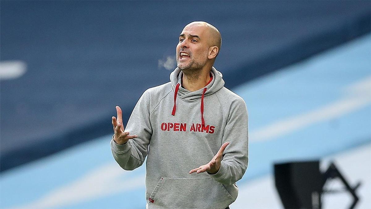 Guardiola da instrucciones en el encuentro ante el West Ham