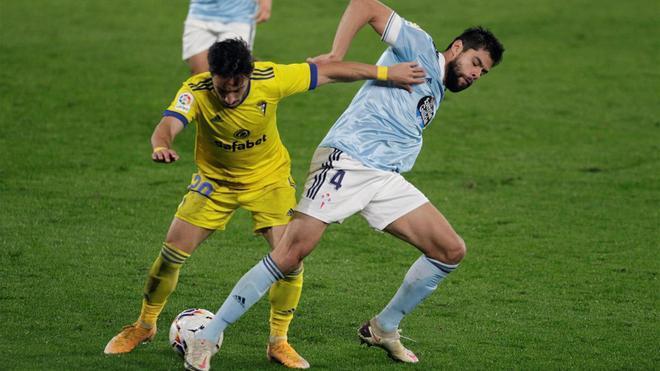Carcelén y Araújo durante el duelo de la primera vuelta