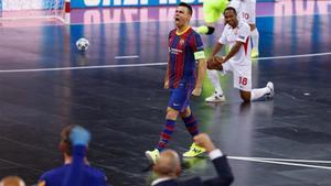 Sergio Lozano marcó el penalti de la victoria