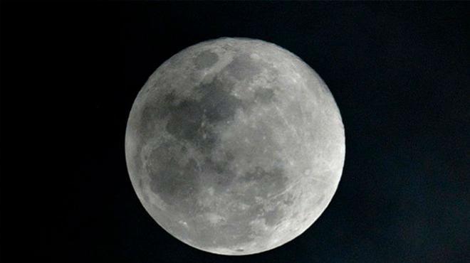 Agua en la Luna: el impresionante descubrimiento de la NASA en nuestro satélite