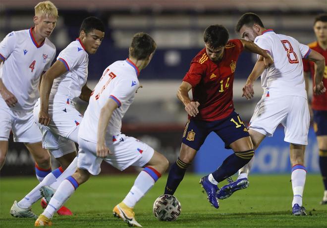 La UEFA designa a doce árbitros para la Eurocopa sub-21
