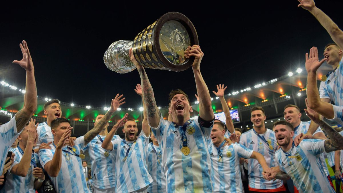 Ronaldinho: Me hizo muy feliz que Messi ganara la Copa América