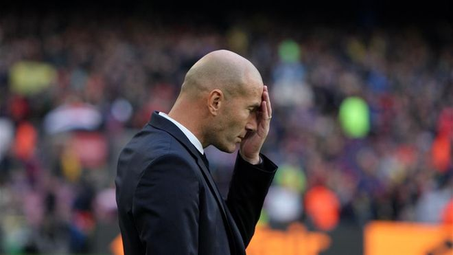 A Zidane se le cayó el mundo encima tras perder el Clásico