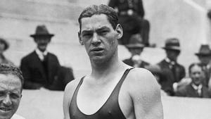 Johnny Weissmuller, el hombre más rápido sobre el agua hasta mediado el siglo XX
