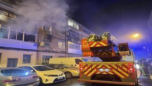 Un fallecido y 21 heridos en un incendio en Alcalá de Henares