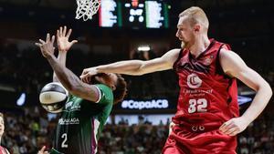 El Unicaja-Zaragoza se jugó con mucha intensidad