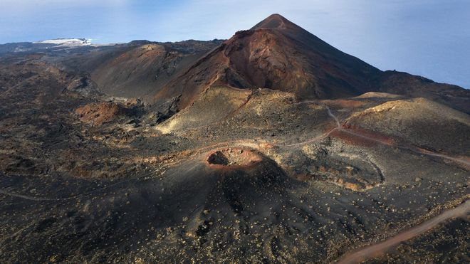 Alerta amarilla en La Palma por posible erupción volcánica tras cientos de terremotos