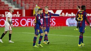 Decepción de los jugadores del FC Barcelona durante el partido de ida de Copa del Rey entre el Sevilla y el FC Barcelona disputado en el Sánchez Pizjuan.