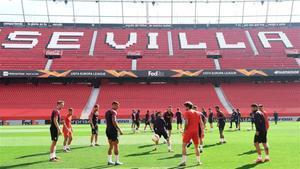 El Sevilla FC ha comunicado esta mañana un ERTE a jugadores y cuerpo técnico.