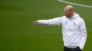 Zinedine Zidane se está quedanso sin crédito. ¿Le acabará hundiendo el PSG?