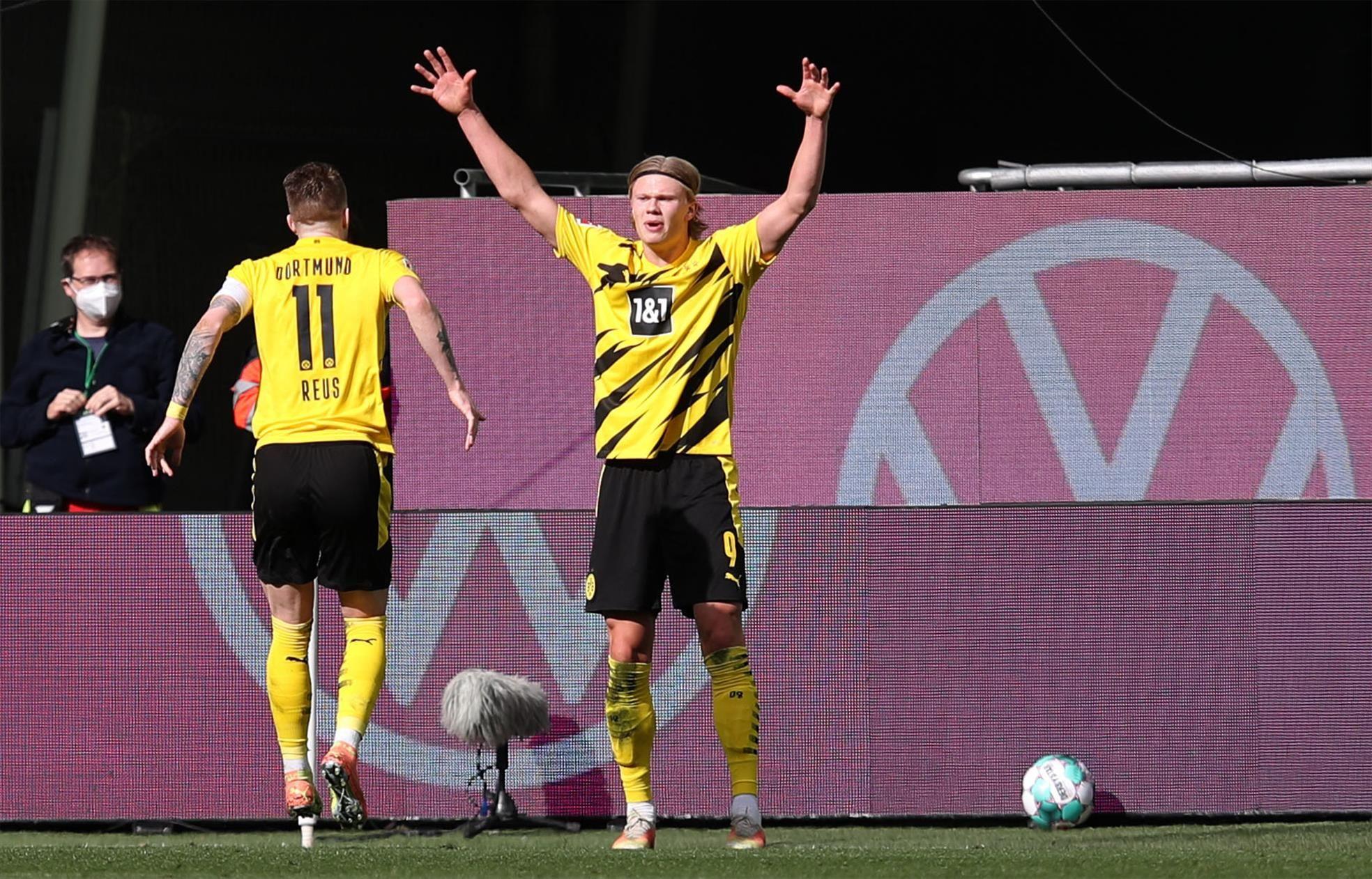 El Dortmund se impone al Wolfsburgo (0-2) y se recrudece la pelea por estar en Champions