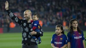 LACOPA   Barça-Espanyol (2-0)   Ovación del Camp Nou a Mascherano antes del partido