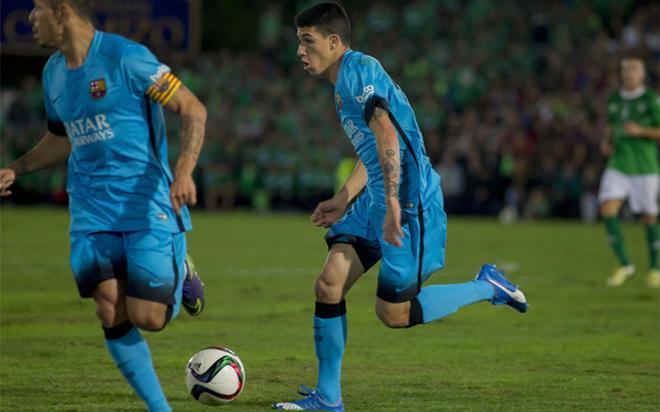 Aitor Cantalapiedra en una acción del partido de su debut con el primer equipo, contra el CF Villanovense
