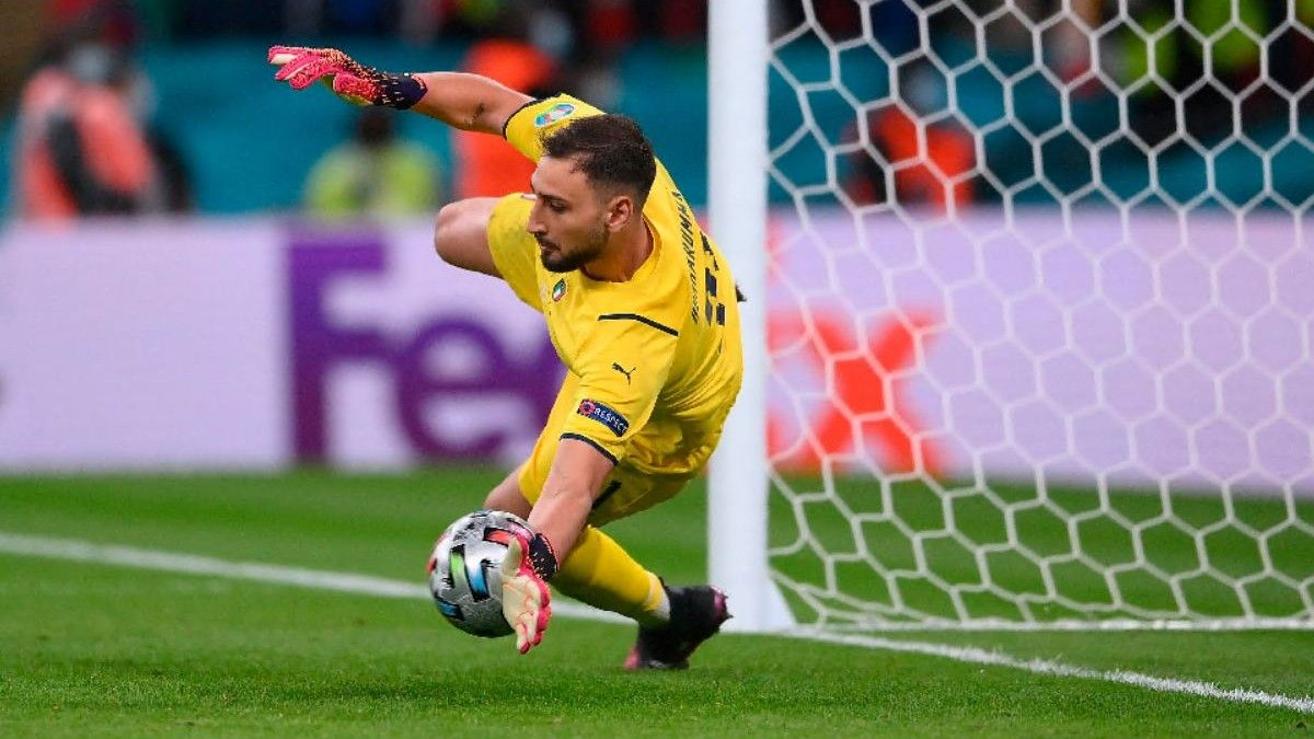 Donnarumma ataja uno de los penaltis ante España