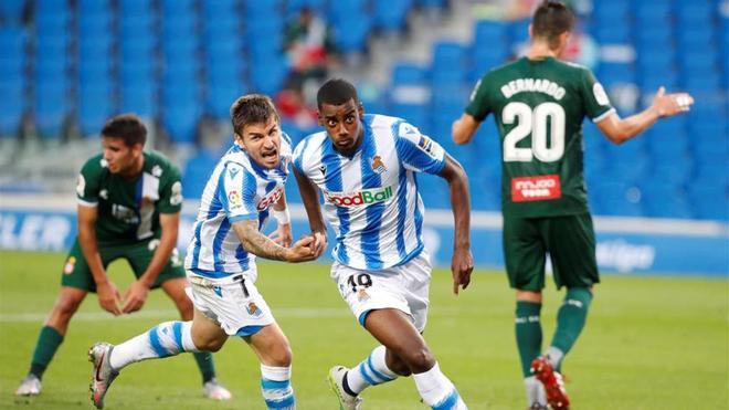 Isak, celebrando un gol