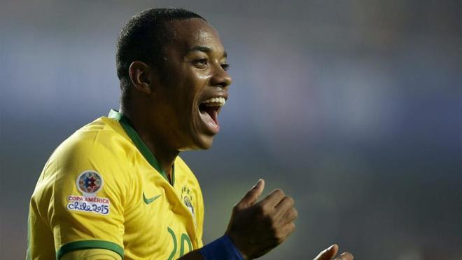 Robinho aún no piensa en retirarse y puede regresar al Santos
