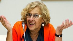 Manuela Carmena le da un zasca monumental a un tuitero