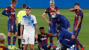Las lesiones, como aquí la de Igor, hunden más a un equipo que debe sacar la personalidad