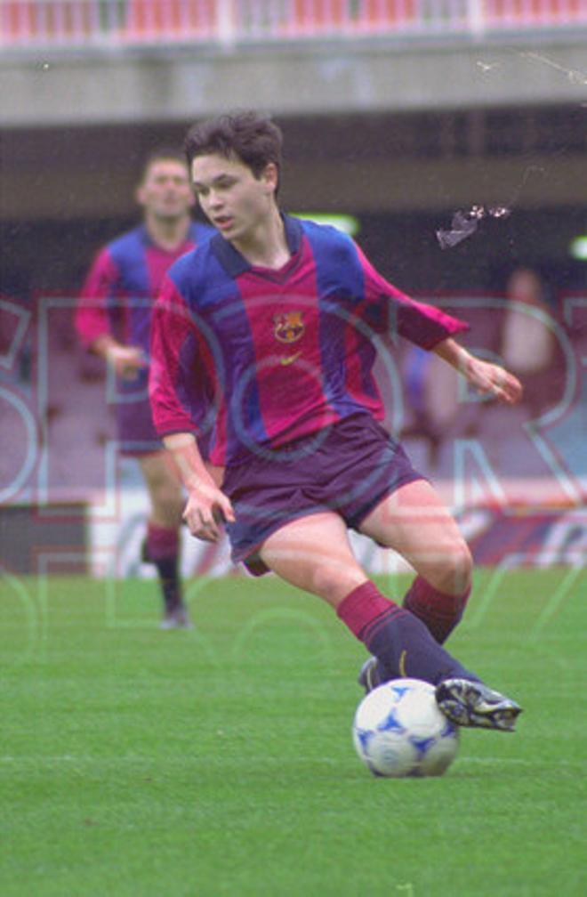 14. Andrés Iniesta 2000-01