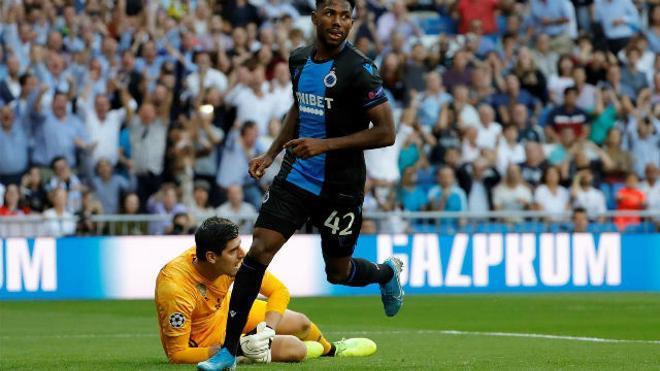Courtois quedó en evidencia en el gol más inverosímil de la Champions