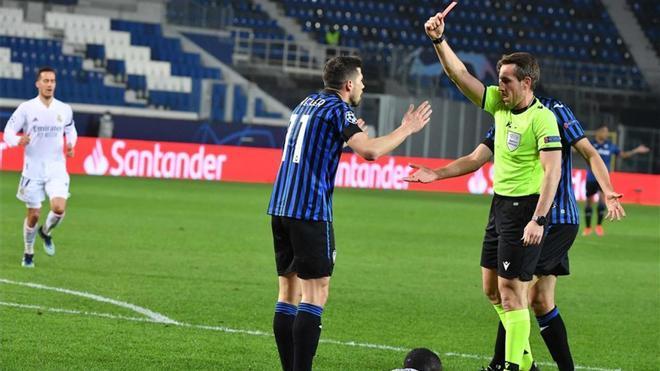 """Gasperini y la roja: """"No digo nada, porque si no la UEFA me echa dos meses"""""""