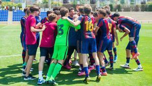 El Cadete A celebra el título de Liga en la CE Joan Gamper