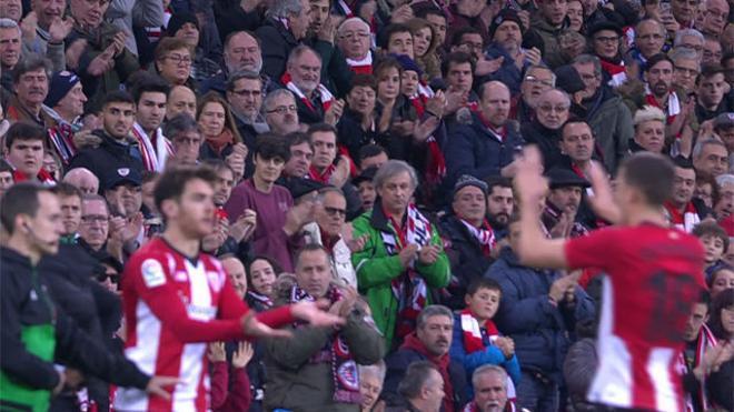 Ibai se llevó la ovación de la tarde en su debut con el Athletic