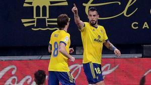 El Cádiz se impone al Eibar y vuelve a ganar tras 7 jornadas