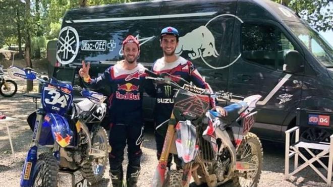 Dovizioso disfrutó de una jornada de motocross junto a Rins