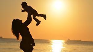 La baja por maternidad siempre ha sido objeto de debate