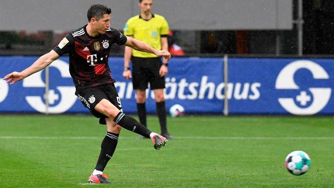 Lewandowski iguala al Torpedo Müller