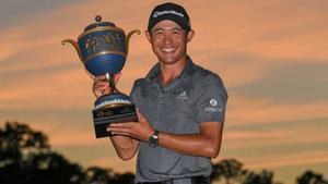 Morikawa, con el trofeo de ganador.