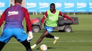 Dembélé ya se entrena con el grupo
