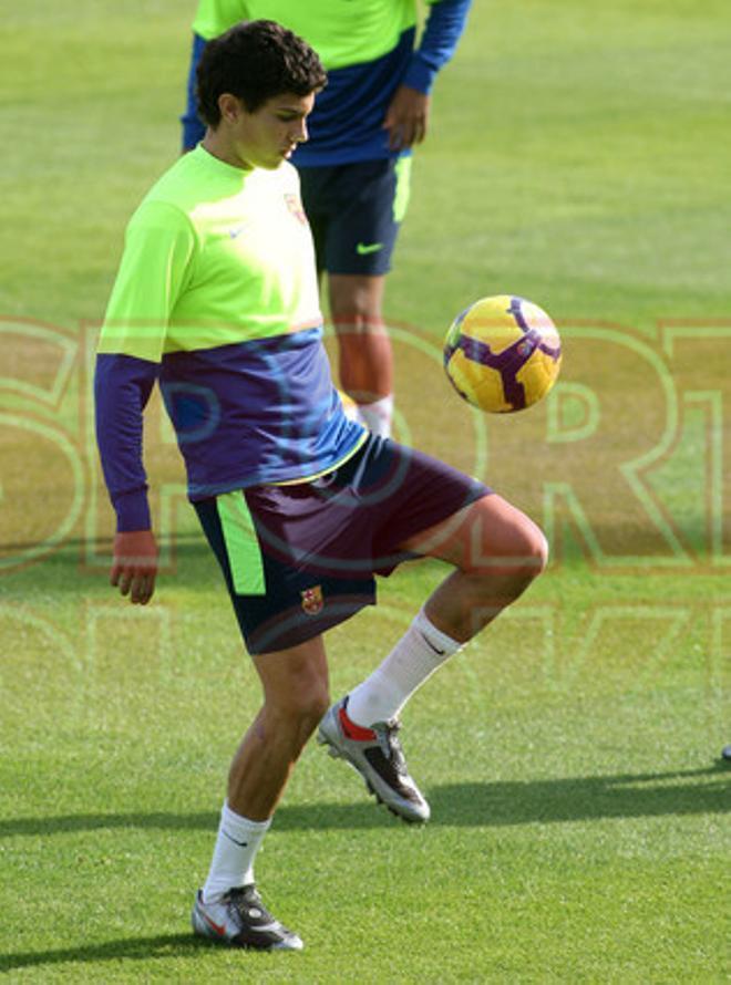 15. Marc Bartra