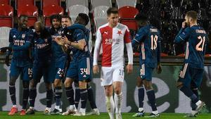 El Arsenal golea al Slavia Praga y se enfrentará al Villarreal en semifinales