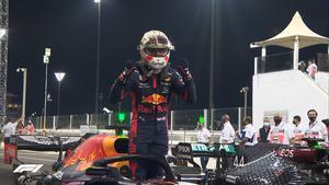 Un brillante Max Verstappen ha logrado la pole en Yas Marina
