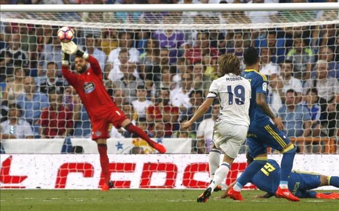 Modric fue el único que puso a prueba a Sergio Álvarez en la primera parte