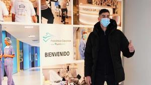 Carlos, durante el reconocimiento médico
