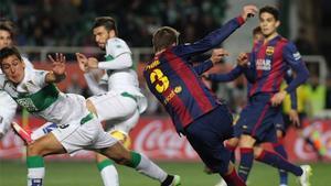 Piqué es hoy, por lesión, una de las ausencias del Barça en el Martínez Valero