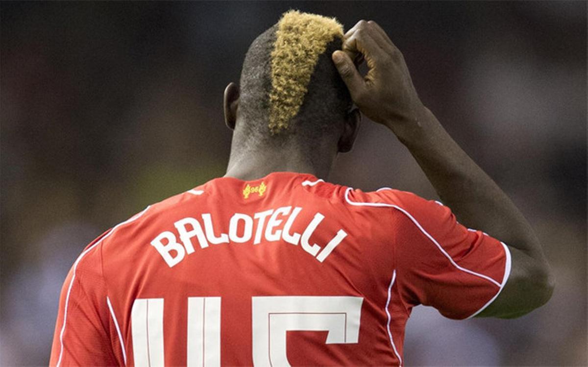 Balotelli es más conocido por polémicas que por su rendimiento en el campo