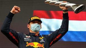 Verstappen ganó en Imola