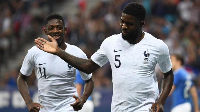 Umtiti y Dembélé celebraron el primer tanto galo.