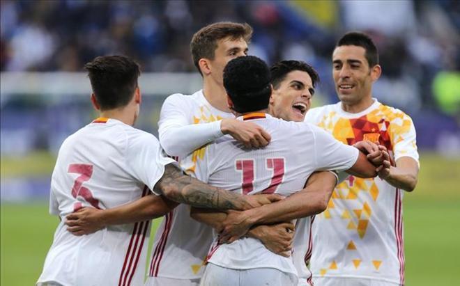 España ha hecho debutar a 8 jugadores en la victoria ante Bosnia