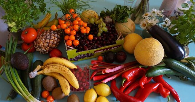 ¿Elegir las frutas y verduras por su color, es bueno para la salud?