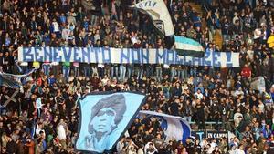 Los aficionados del Nápoles no podrán apoyar a su equipo en el Estadio Jan Breydel