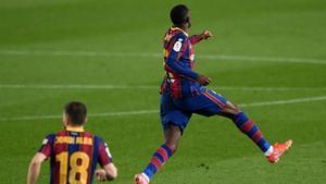 ¡Cree el Barcelona! ¡Apareció el corazón de Dembélé para recortar distancias!